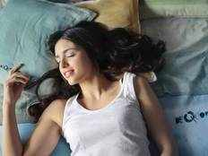 which direction is good to sleep according to vastu shastra and spiritual in tamil