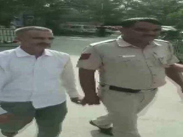 पुलिस की गिरफ्त में शमशेर सिंह