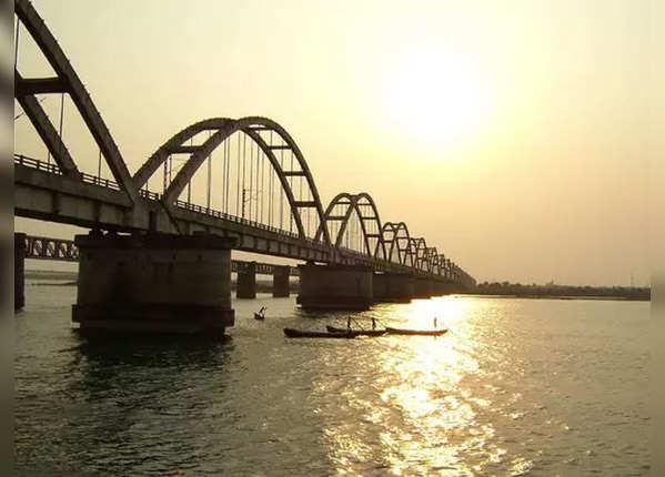 गोदावरी आर्क ब्रिज, राजमुंदरी