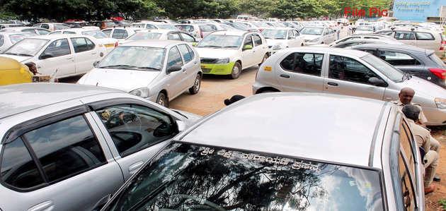 नए ट्रैफिक नियमों के विरोध में आज दिल्ली-एनसीआर में आज ऑटो-कैब की हड़ताल