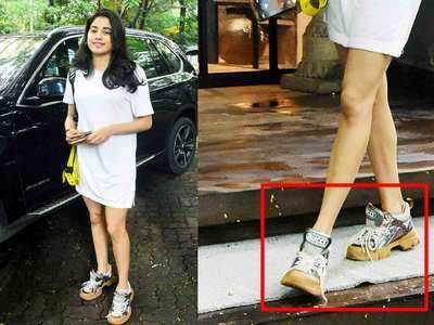 जाह्नवी कपूर के महंगे जूते