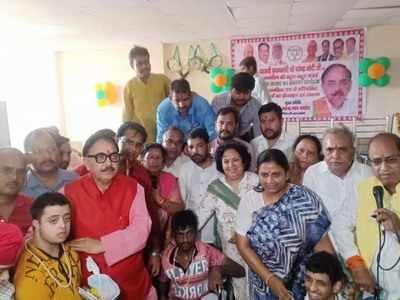 कानपुर में महेंद्र नाथ पांडेय