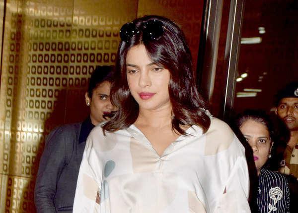 फिल्म के प्रमोशन के लिए मुंबई पहुंचीं
