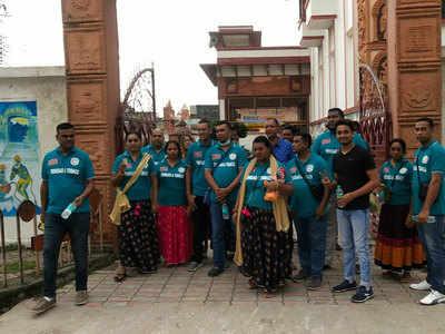 अयोध्या पहुंचे विदेशी मेहमान