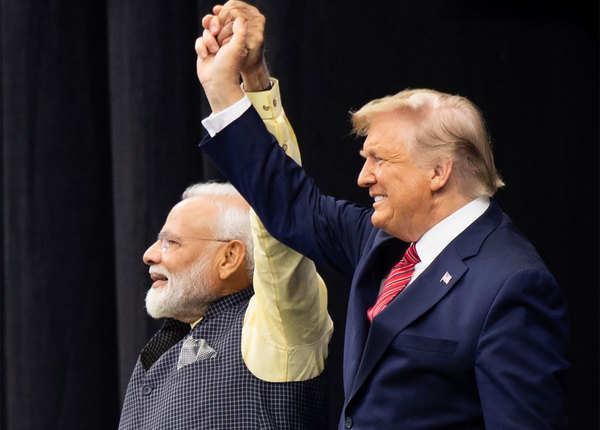 PM मोदी और राष्ट्रपति ट्रंप की दोस्ती