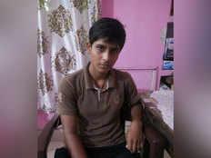 अयोध्या में मिलीं झारखंड से लापता मशहूर टेनिस बॉल क्रिकेट खिलाड़ी अंशु यादव