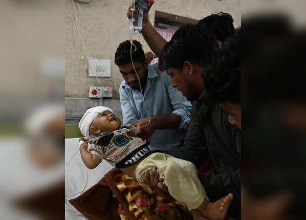अस्पतालों में जुटी घायलों की भीड़