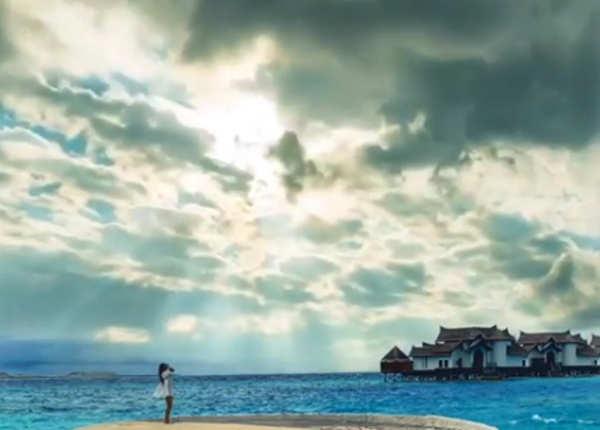 बेहद खूबसूरत दिख रहा है मालदीव
