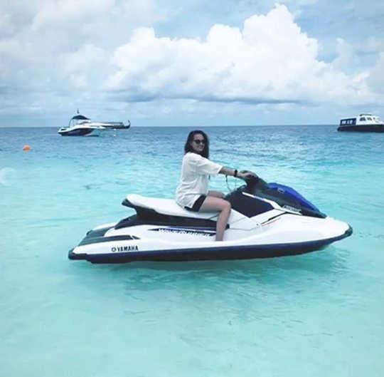 sonakshi sinha's maldives vacay: movie actress sonakshi sinha maldives vacation pictures | Navbharat Times Photogallery