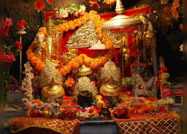 नवरात्र में माता वैष्णो देवी यात्रा पर जाने वाले हैं, इन बातों का रखें ध्यान