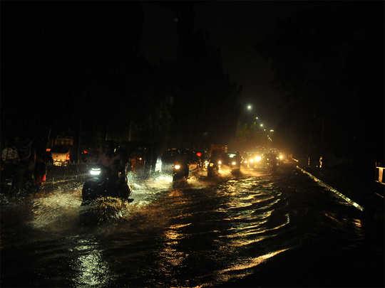 हैदराबाद के कई हिस्सों में बारिश के कारण जलजमाव