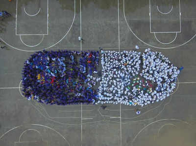 एक हजार युवाओं ने मिलकर बनाया ह्यूमन कैपसूल