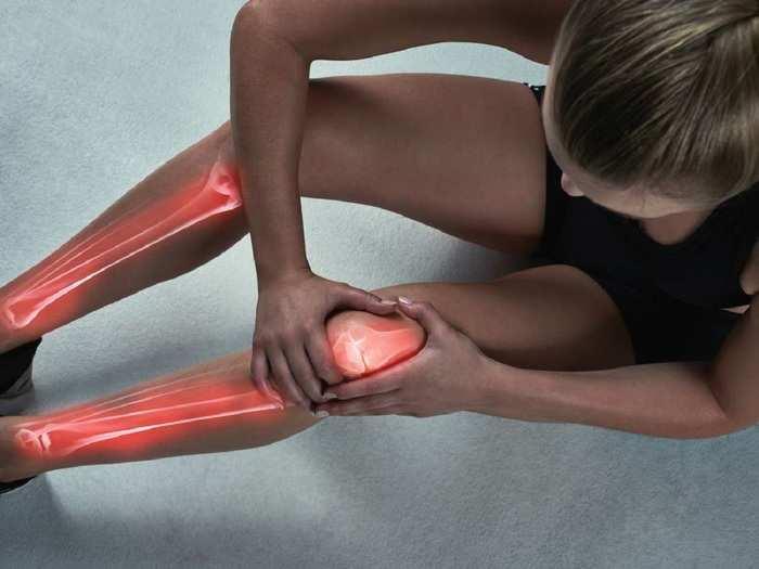 piros foltok a lábakon okozzák a fénykép megjelenését