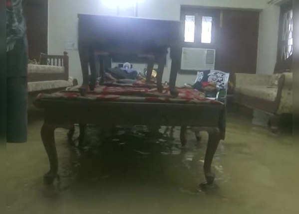 घर में बाढ़