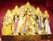 कोलकाता में 50 किलो सोने से बनाई गई दुर्गा प्रतिमा