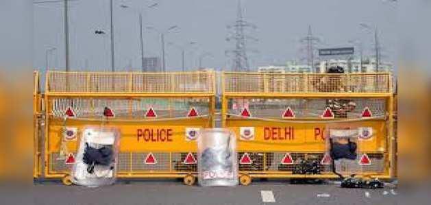 दिल्ली: आतंकी हमले का अंदेशा, 9 जगहों पर की गई रेड