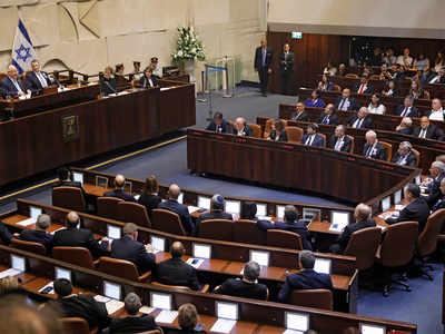 राजनीतिक गतिरोध के बीच इसरायल के नए सासंदों ने ली शपथ