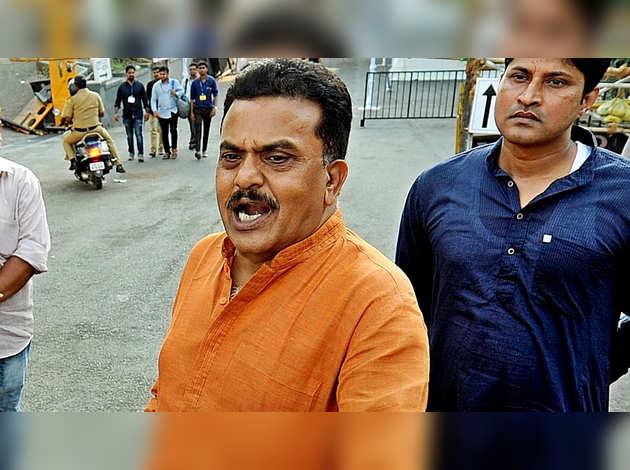 महाराष्ट्र विधानसभा चुनाव: संजय निरुपम के बागी सुर, बोले- कांग्रेस जमीनी हकीकत से दूर
