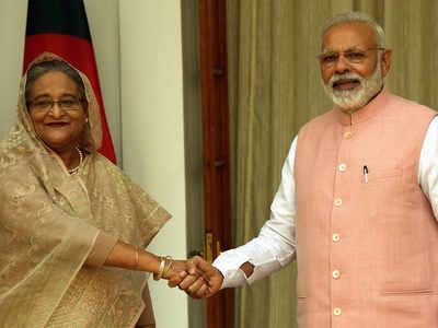 बांग्लादेश की पीएम शेख हसीना और पीएम मोदी। (फाइल फोटो)
