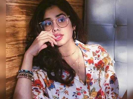 janhvi kapoor to work with father and producer boney kapoor on bombay girl, shooting may start from 2020 january