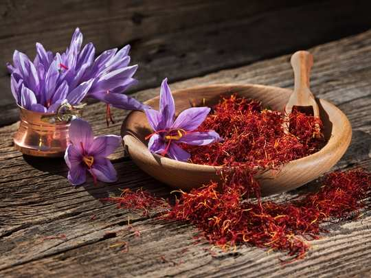 Can saffron give colour to child