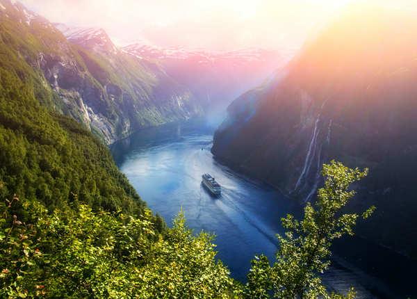 लैंड ऑफ द मिडनाइट सन नॉर्वे