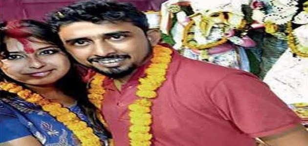 कोलकाता: पूजा पंडाल में पहली बार मिले फेसबुक फ्रेंड्स, 4 घंटे में कर ली शादी