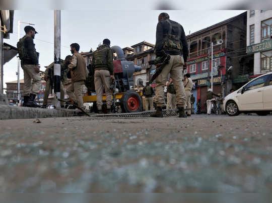 श्रीनगर पुन्हा लक्ष्य