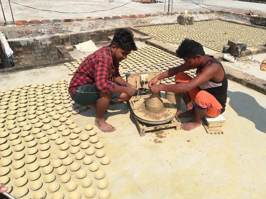 deepotsav in ayodhya: अयोध्या में भव्य दीपोत्सव की तैयारी, सरकार संग BJP संगठन भी जुटा, एक लाख अधिक दीये जलेंगे - preparation for grand deepotsav in ayodhya bjp organizations also ...