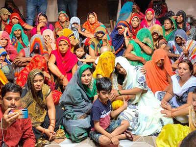 पुष्पेंद्र की मौत के बाद से गम में डूबा है परिवार