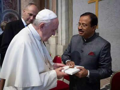 पोप से मिले मुरलीधरन