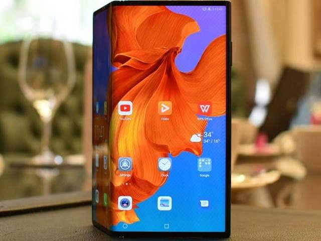 Huawei Mate X में स्क्रीन खोलने के लिए हो सकता है खास बटन, देखें विडियो