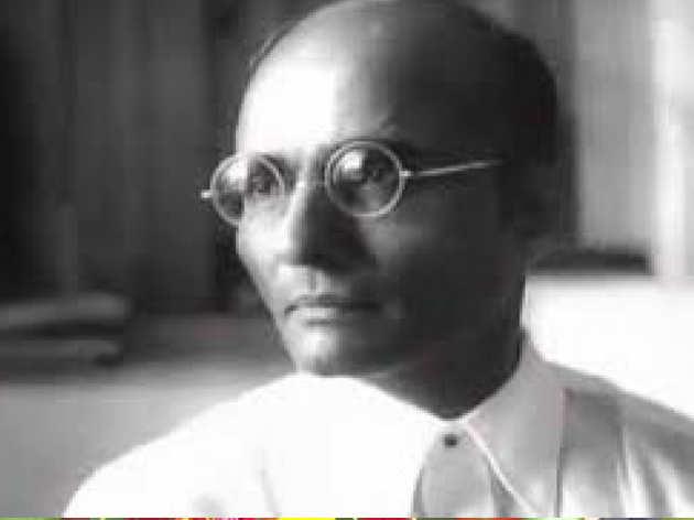 'वीर सावरकर ने गांधी को मारने का रचा था षड्यंत्र': दिग्विजय सिंह