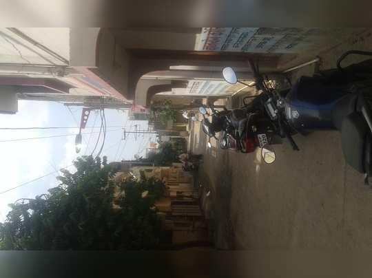 वानखेडे नगर एन 13 सिडकोमध्ये 33 के.व्ही.वीजवाहिनी