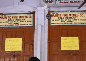 सदर बाजार: पटाखेवालों की दिवाली सूनी, अबतक किसी को लाइसेंस नहीं