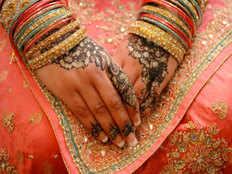 पाकिस्तानी से आईं बहुओं को 30 साल बाद मिली भारतीय नागरिकता
