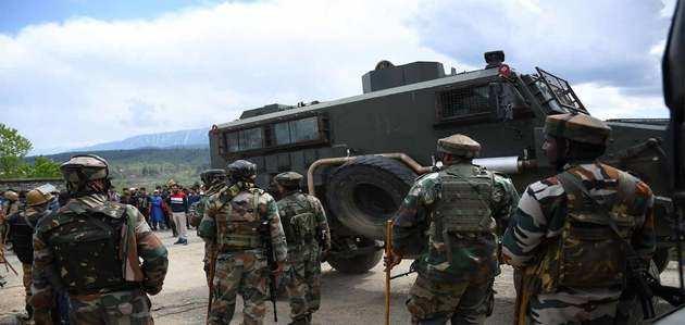 PoK में आतंकी ठिकानों पर भारतीय सेना ने बोला हमला, तनाव