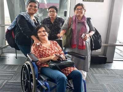 कोलकाता एयरपोर्ट पर मौजूदा दिव्यांग कार्यकर्ता