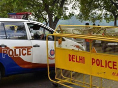 kidnappers car stuck in delhi traffic youth rescued
