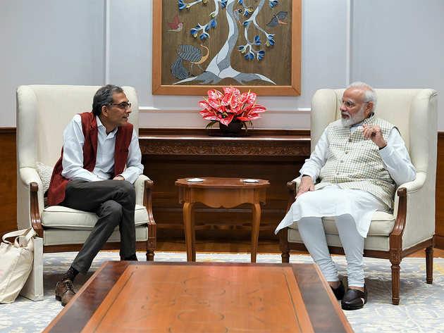 पीएम मोदी से मिले नोबेल विजेता अभिजीत बनर्जी।