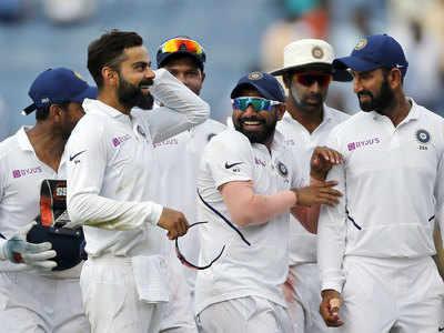 विराट कोहली सहित भारतीय खिलाड़ी।