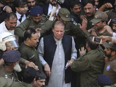 Image result for पाकिस्तानी पूर्व प्रधानमंत्री नवाज शरीफ की हालत नाजुक