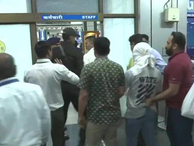अहमदाबाद से लखनऊ के लिए रवाना हुई टीम