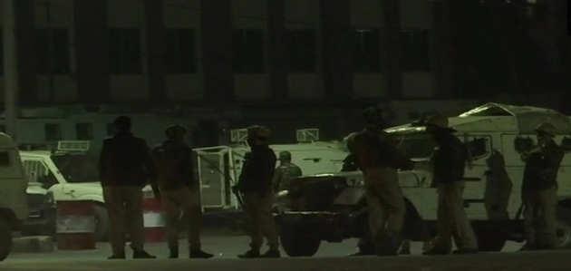 श्रीनगर में आतंकियों ने सीआरपीएफ पार्टी पर ग्रेनेड फेंका, 6 जवान घायल