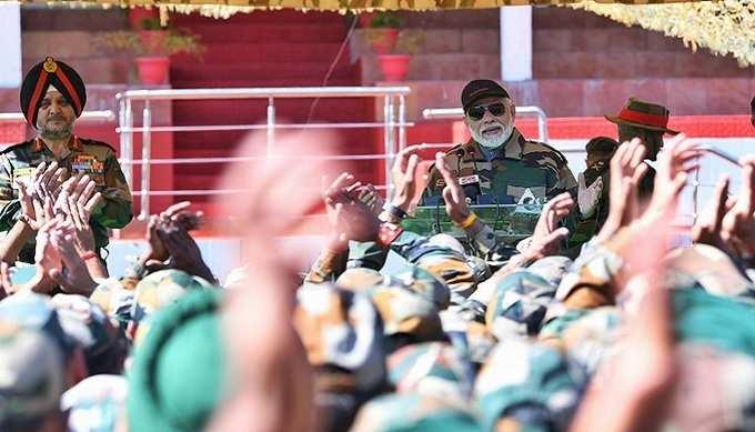দিওয়ালিতে সেনাবাহিনীর সঙ্গে নমো
