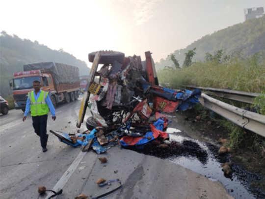 severe-accident-on-mumbai-p