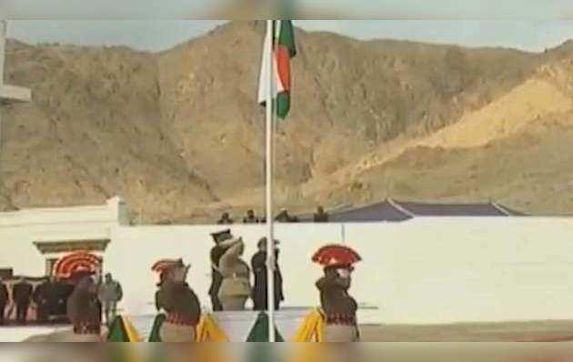 जम्मू-कश्मीर, लद्दाख आज से बनें दो नए UT