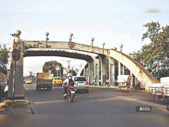 State govt wants small bus on Tala bridge