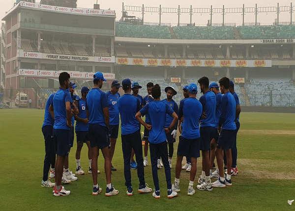 टीम इंडिया ने नहीं पहना मास्क
