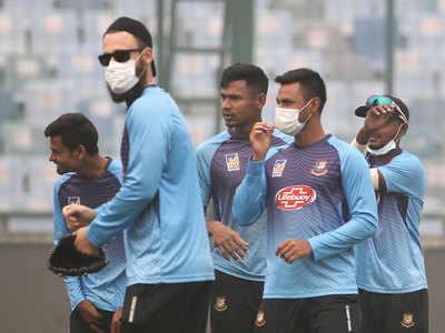 अभ्यास करते बांग्लादेशी खिलाड़ी।